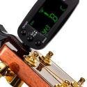 Accordatori per chitarra, basso ed altri strumenti a corde